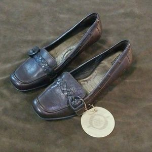 NWT Born Slip On Buckle Loafers